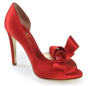 valentino-holiday-red-shoe
