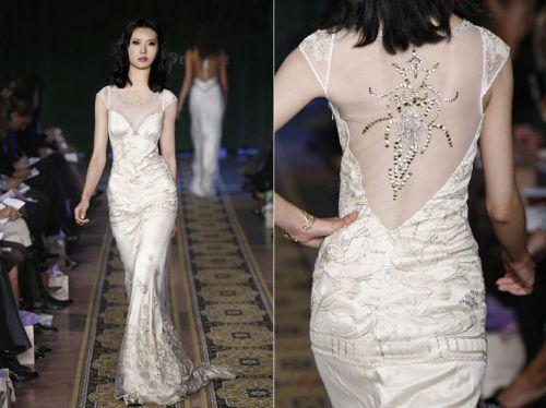 Claire pettibone rock n roll bride wedding dresses for Rock n roll wedding dress