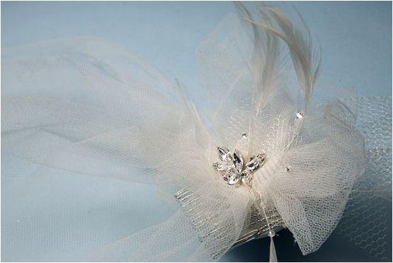 diy-bridal-veil-100layercake-22