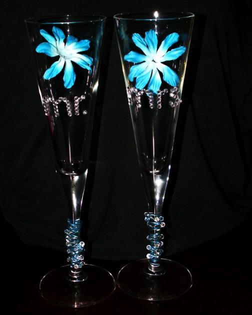 مجموعة من الافكار والحركات لمناسبات الافراح diy-wedding-flute-glasses-created-by-itsajaimething-dotcom_edited-1.jpg?w=504&h=630