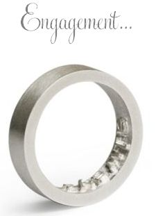 oye-modern-engagement-ring-marry-me-impression