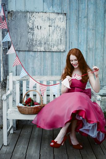 pink dress with red shoes via ahotpinkpetticoatdotblogspotdotcom