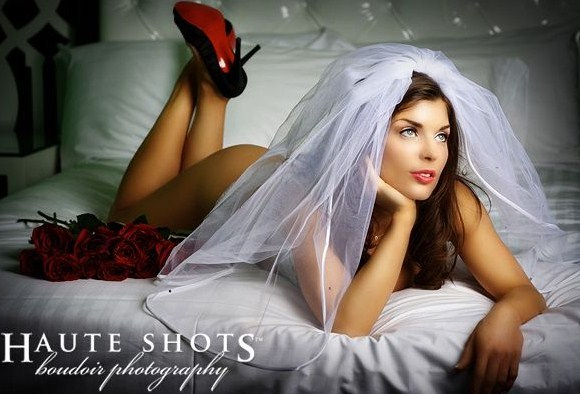 bridal boudoir pictures taken by haute shots boudoir photography