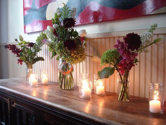 Rusztikus esküvői virágdekoráció